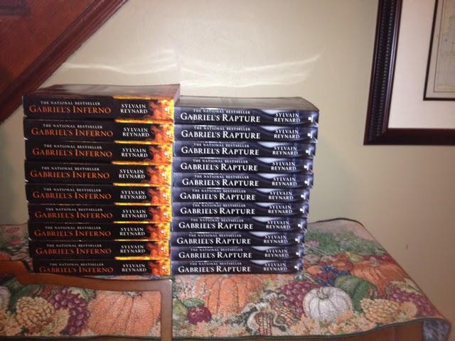 Сильвен Рейнард подписывает контракт на третью книгу в серии про Гэбриела!