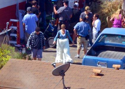 Эшли Грин примеряет костюм для фильма «Хотел бы я быть здесь»