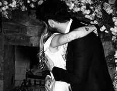 Майли Сайрус опубликовала фотографии со свадьбы с Лиамом Хемсвортом