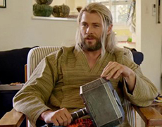 Крис Хемсворт готов вернуться в мокьюментари «Команда Тора» Тайки Вайтити